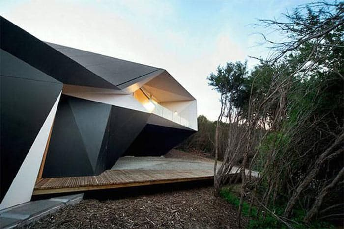 Triangular architecture